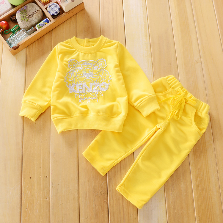 Sports suit boy baby clothes set high-quality long-sleeved round neck cotton Embroider kits for girls Fashion kids Set clothes(China (Mainland))
