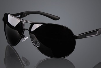 2014 free shipping 2013 New man The three colors of retro fashion polarized sunglasses cool driving glasses c664 ow