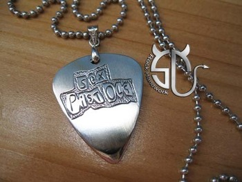 Free shipping  Rock band Sex pistols logo  stainless steel handmade guitar pick pendant necklace (can be customized)