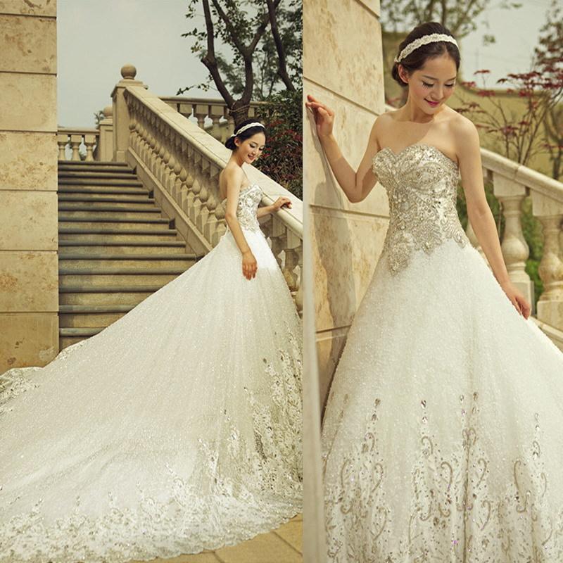 Top Luxury Wedding Dress : Wedding dress train luxury sparkling crystal
