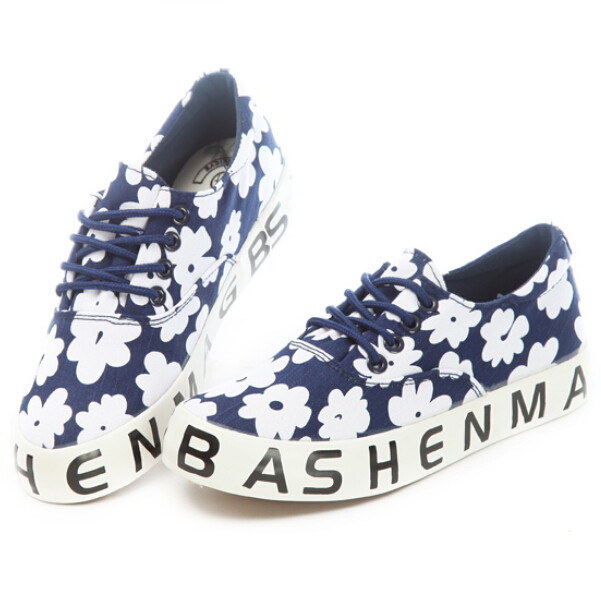 New Sweet Flower Print Lace Up Women Sneakers Fashion Casual Low Top Canvas Shoes Black Letter