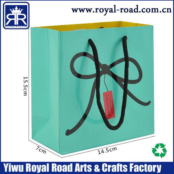 MOQ:1000PCS Custom printing FREE DHL SHIPPINGgift paper bag with rope handle,cheap custom gift bag made in china(China (Mainland))