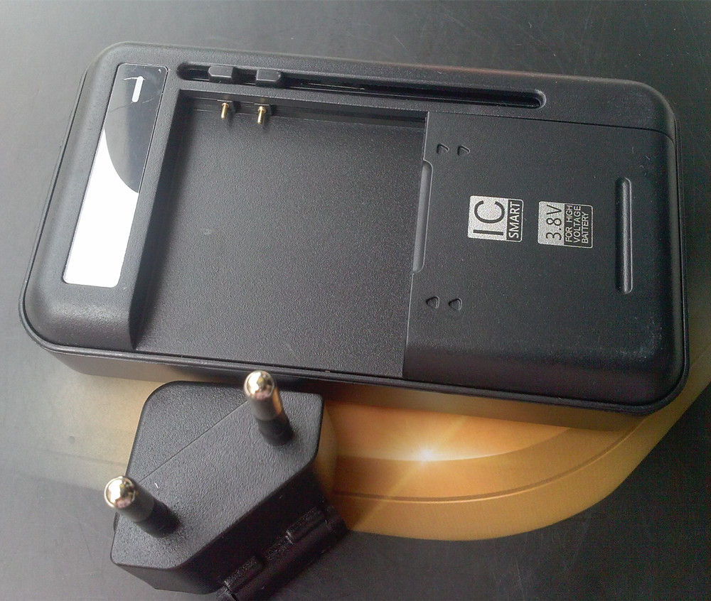 EU/AU/UK Plug Dock Wall Battery Charger For THL W1 W2 W3 W5 W6 W7 W7S W8 W8s W8+ W8e W200s W200 T100S T5 T5S Cell Phone Battery(China (Mainland))