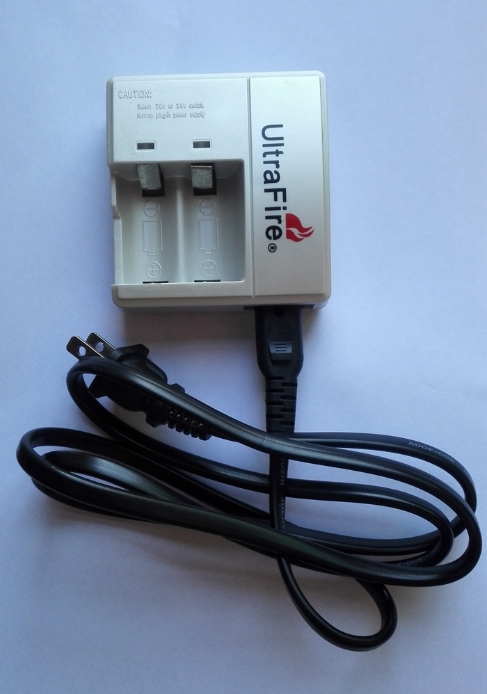 UltraFire WF-138 3.0V/3.6V/3.7V Switching Charger for CR123A 16340 Battery with US Plug(China (Mainland))