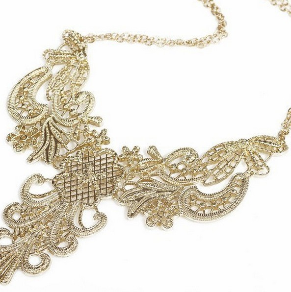 Min.order is $18(mix order)Fashion luxury vintage jewelry big hollow carved pendant necklace