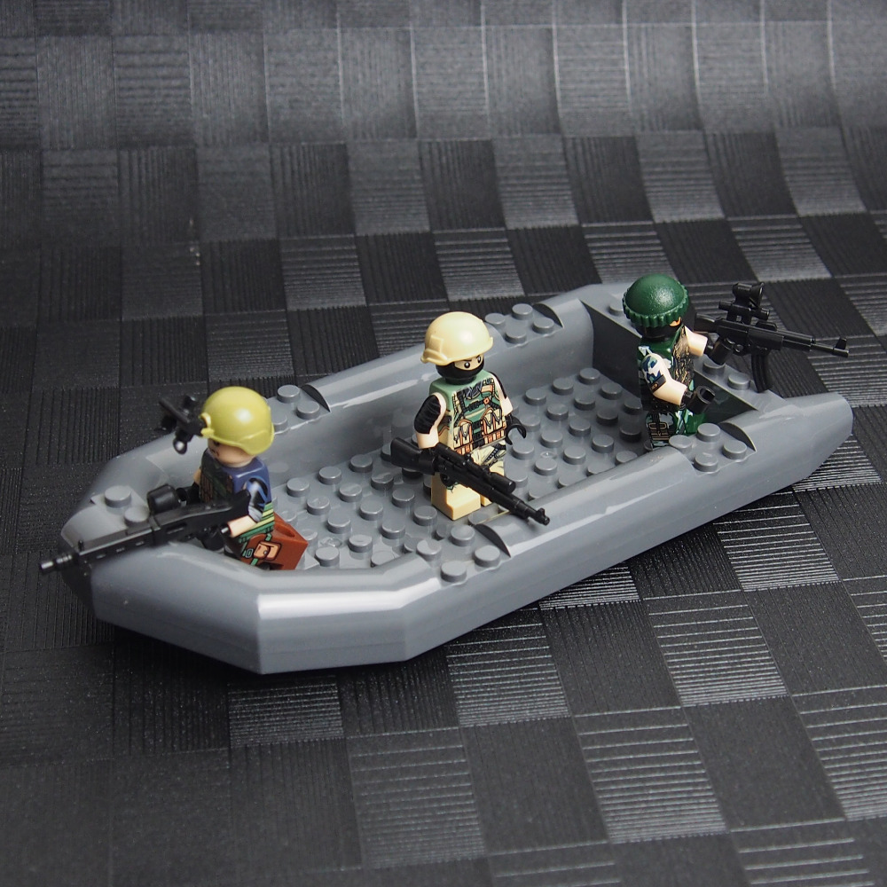MOC Military Assault Boat Building Block World War 2 weapon Army soldiers City SWAT Building Blocks Toys for children lepin(China (Mainland))