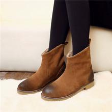 Con estilo invierno 2015 otoño de cuero de gamuza mujer punta redonda Slip on botines de tacón bajo los zapatos de nieve a caballo marrón negro(China (Mainland))