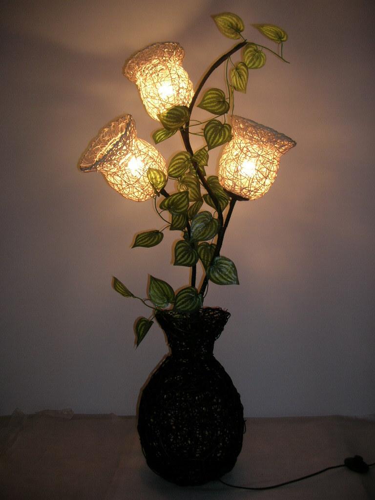 decoracao em lampadas:Rustic Floor Lamp