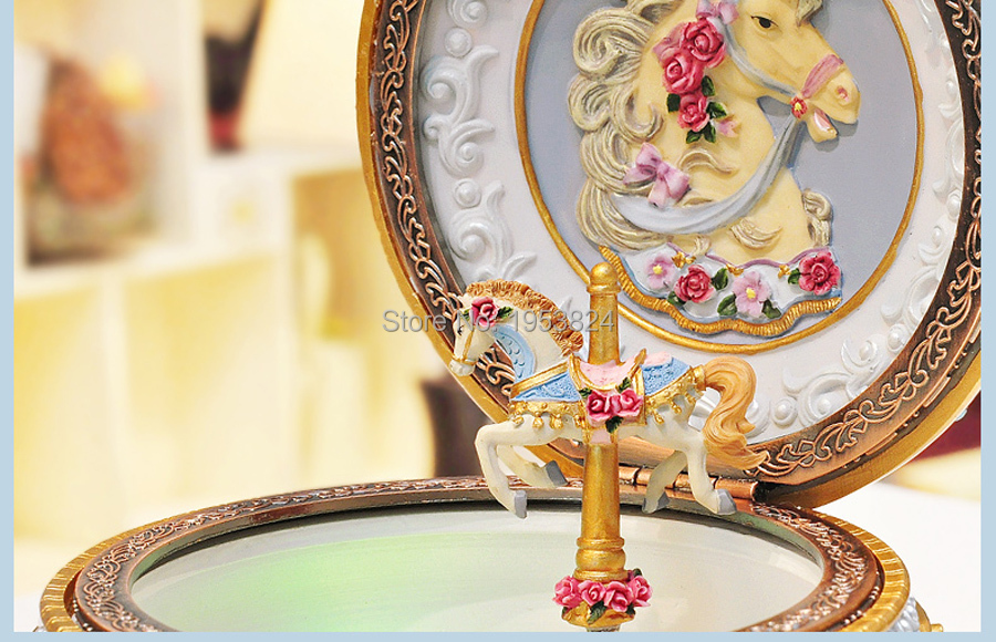Carousel music box (10).jpg