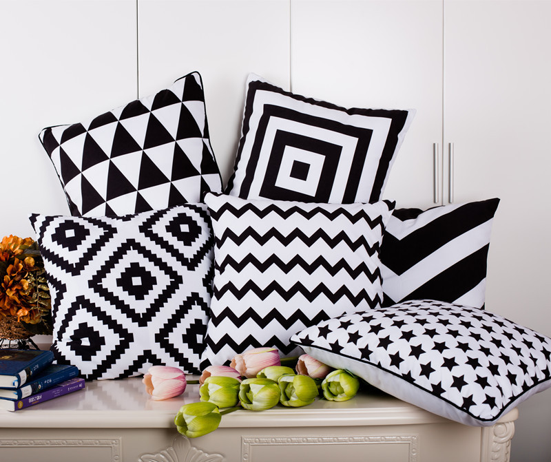 Black and white cushion cover geometry chevron striped - Cojines para sofa blanco piel ...