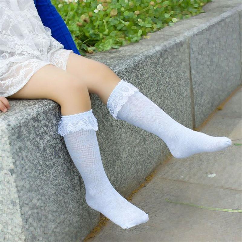 Фото в белых носочках