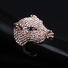 Europe And Super Hot Flash Full of Zirconia Diamond Exaggerated Leopard Popular  Ring with Ruby Eyes For Women Men New