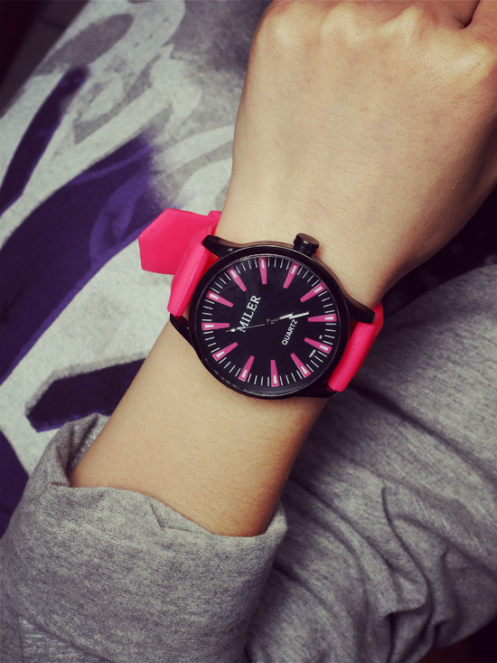 2016 New Casual Fashion Simple Collision Color Jelly Table Silicone Big Dial Watch Ice Cream Mixed Colors Lady Student Watch(China (Mainland))