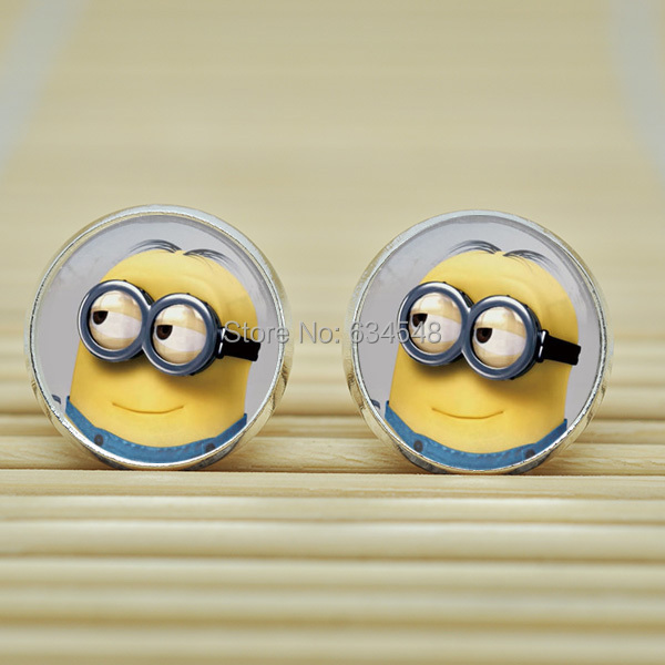 1pair Despicable Me Minion Earrings Studs jewelry glass Cabochon Earrings Post B4004(China (Mainland))
