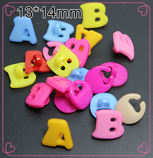100PCS mixed colors Alphabet ABC plastic buttons 1 hole Sewing children Buttons,free shipping(China (Mainland))