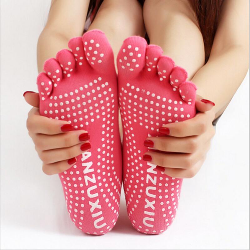 Гаджет  NEW 2015 Sports Colorful Yoga Socks Fitness Cotton Socks Women Pilates Socks 6 Colors Free Size None Спорт и развлечения