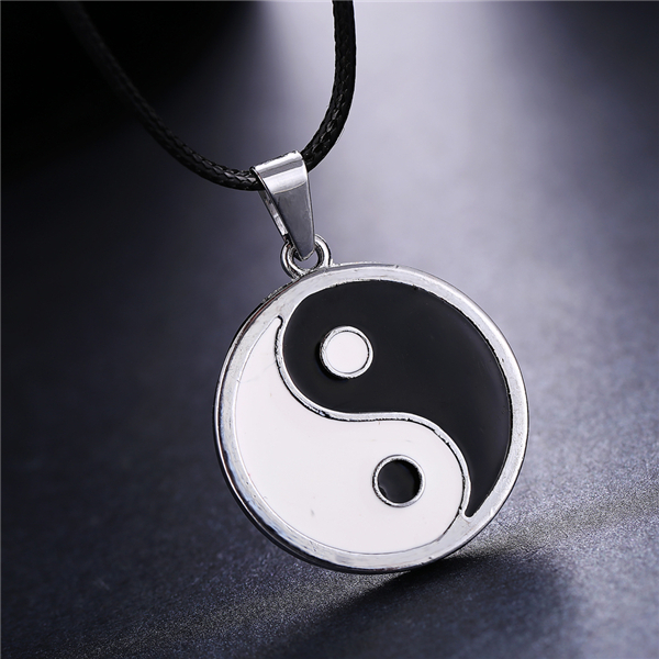 MOSU 20/pcs a lot Naruto Neji Silver Metal Necklace Chinese Tai Chi Logo Pendant Cosplay Accessories Jewelry can Drop-shipping<br><br>Aliexpress