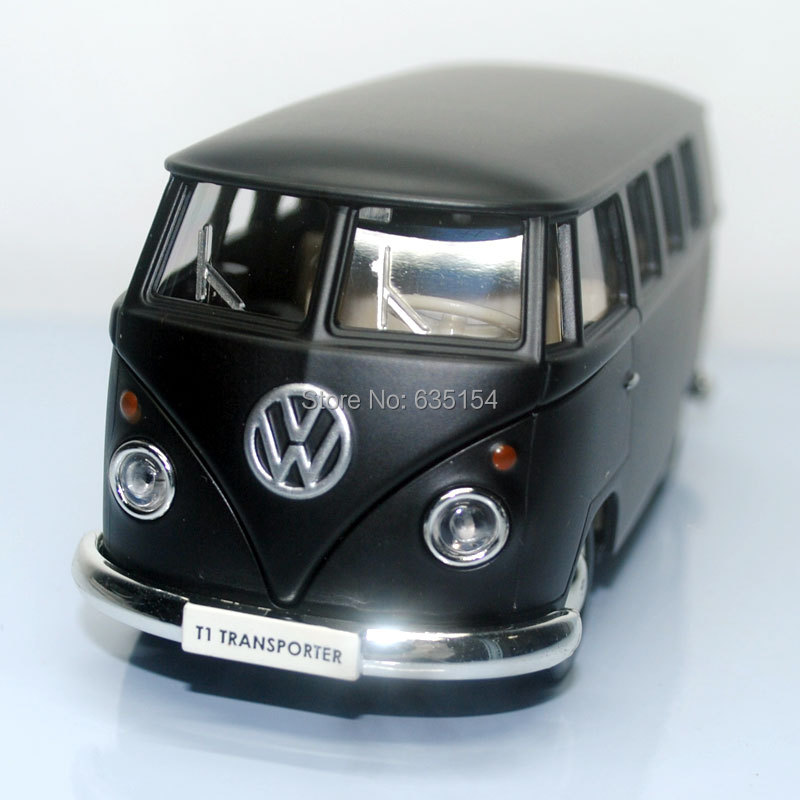 Brand New 1/36 Scale UNI Pull Back Car Toys Classic Bus Matte Black Diecast Metal Car Model Toy For Gift/Collection/Kids(China (Mainland))