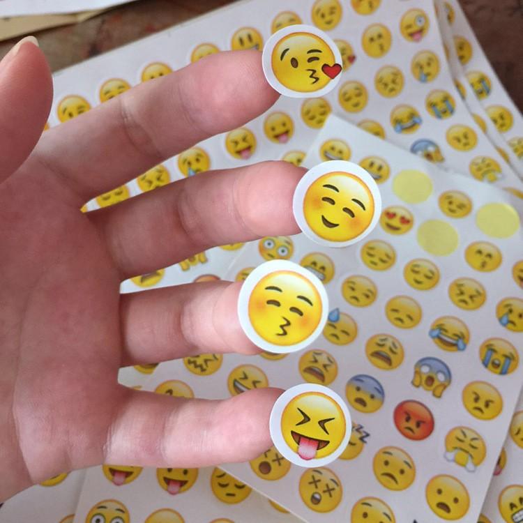 1pcs 48 expression DIY Cute  Paper Sticker  QQ Expression Sticky Paper For Scrapbooking Photo Album Diary Children sticker