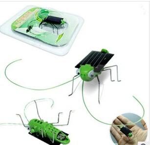 Wholesale 100pcs/lot Worlds Smallest Solar Power Cockroach Grasshopper mini solar toys solar energy toys Solar teaching supplies(China (Mainland))