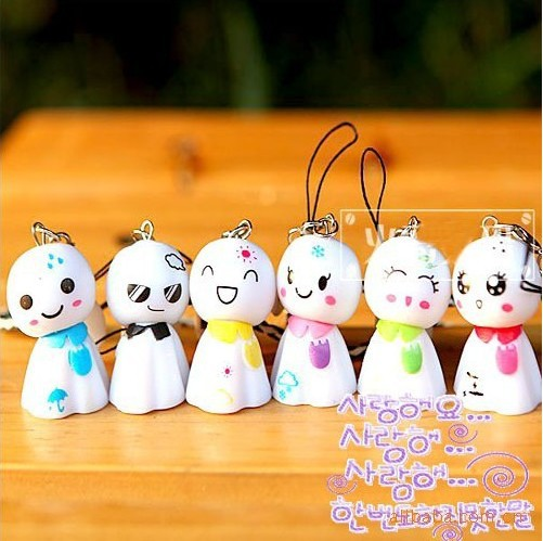 10pcs Wholesale pass pendant lovely sunny doll mobile phone chain trinket A81608(China (Mainland))