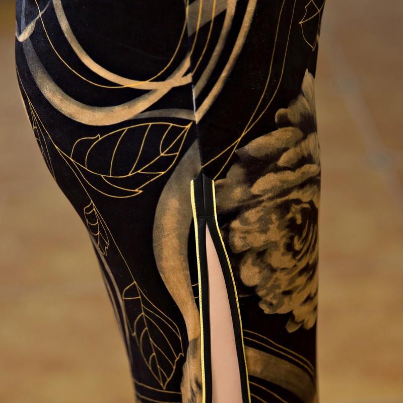 สีดำทองสตรีกำมะหยี่Cheongsamจีนแฟชั่นสไตล์การแต่งกายที่สวยงามบางยาวพิมพ์QipaoขนาดSml XL XXL XXXL F090925 ถูก