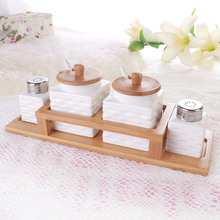 Creative white ceramic sugar jar with wooden lid ceramic pepper shakers with stainless steel lid kitchen supplies (China (Mainland))