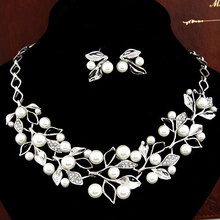 Choker Necklace Wedding Necklaces Earrings for Women imitation Pearl Necklace Stud Earrings Foliage Silver Plated Jewelry Sets(China (Mainland))