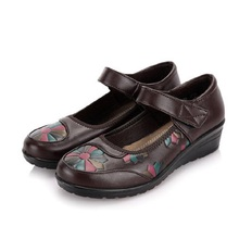 Spring new middle-aged women's flat shoes round slope with middle-aged woman soft bottom shoes elderly mother shoes freeshipping(China (Mainland))
