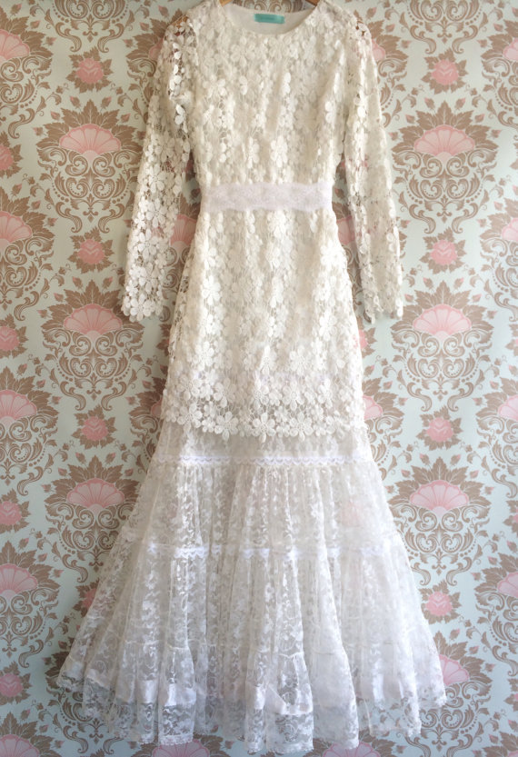 Gorgeous Flower Girl Dresses New arrival Boho Wedding First Communion Girl Gowns With Long Sleeves Train Country 2015(China (Mainland))