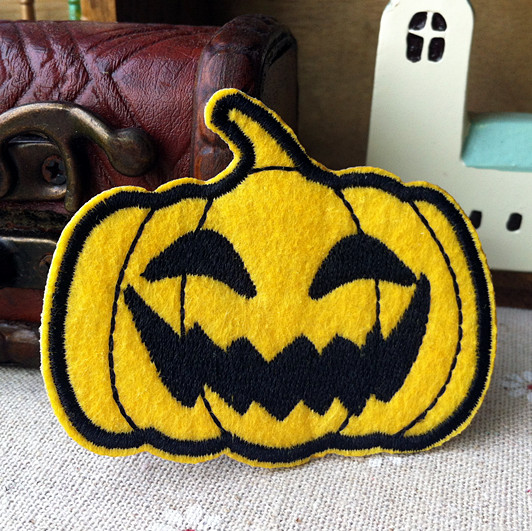 Wholesale Pumpkin lamp halloween fabric clothes embroidery patch cartoon clothing 300pcs/lot Free shipping(China (Mainland))