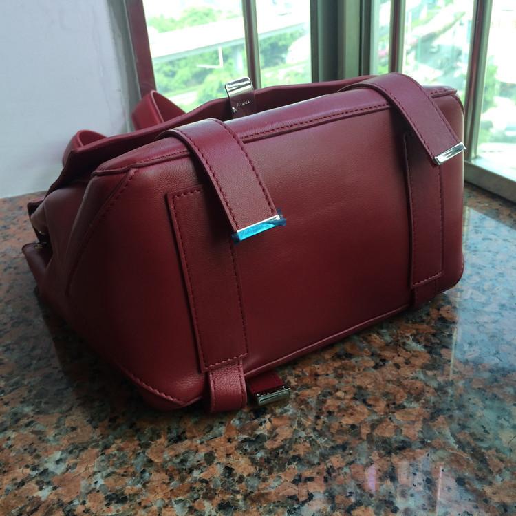 Рюкзак DHL! . . : 25 x 23 x 13 2009
