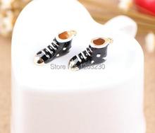 2015 nuevo estilo de forma zapatos de moda de la aleación de la gota de aceite estereoscópica de metal botas de nieve colgantes del collar de los encantos diy joyería making(China (Mainland))
