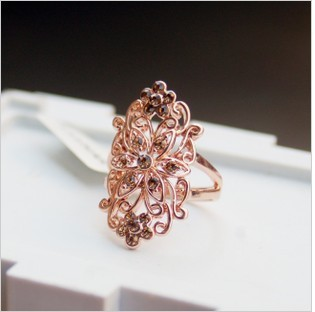 free  shipping South Korea female ring Korean fashion trendsetter retro cute and exaggerated hollowing