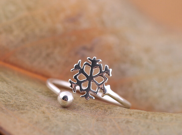 New design 925 Sterling silver Frozen queen's ring snowflake adjustable unique novel girls silver ring Anti-allergic Wholesale(China (Mainland))