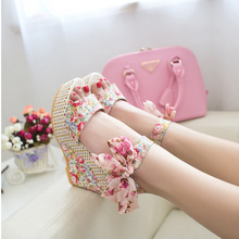 Free shipping new 2014 summer new sweet flowers buckle open toe wedge sandals Floral high-heeled shoes WS002