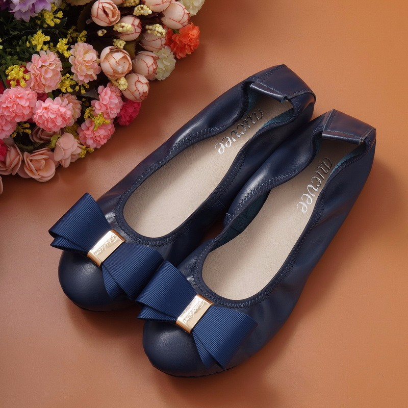 2017Genuine Leather Women Flats Shoes Fashion Casual Lace-up Soft Loafers Spring Autumn Moccasins Female Driving Shoes Wholesal