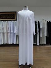 (Geschenk-one piece hüte, Farbe zufällig) Beliebte Jubbah islam Bekleidung männer Abaya weiß, khaki , Kleine graue farbe saudi arabischen männer thobe(China (Mainland))