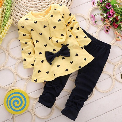 Brand Baby Girls Clothing Set Long Sleeve T shirt + Pants Dot Heart Pattern with Bow on Sale Children Clothing Kids Clothes 2pc(China (Mainland))