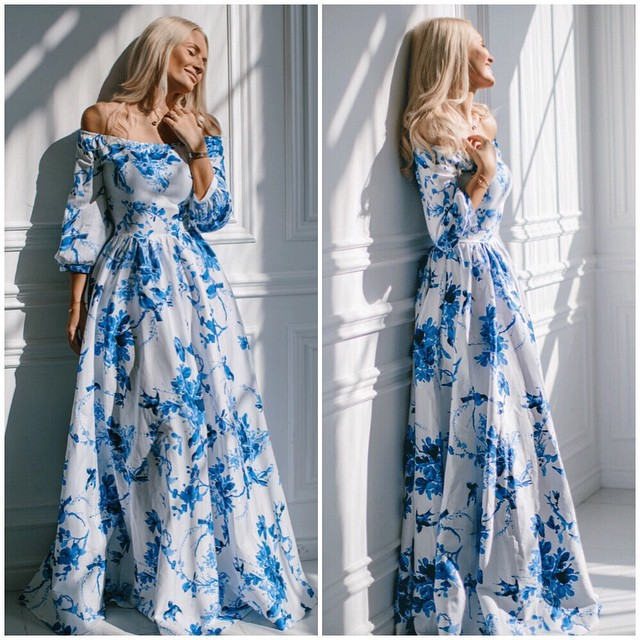 Белое платье с голубыми цветами