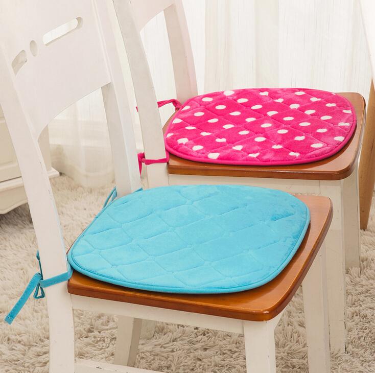 Divano tavolo da pranzo idee per il design della casa - Divano e tavolo da pranzo ...