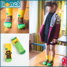 2015 New Cartoon Bear Cotton Kids Socks Suitable for 1-10 yrs Girls Boys Christmas Sock Winter Warm Children's Socks 2-Colors