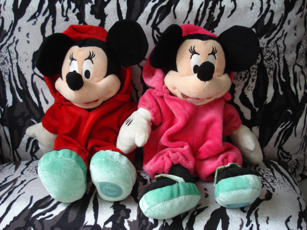 free shipping 30cm red hoodie minnie plush stuffed toys for children action figure plush dolls kids toys gift fir girl219(China (Mainland))