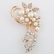 Hot vente mode strass fleur simulé perle broche pour filles cadeau d'anniversaire(China (Mainland))