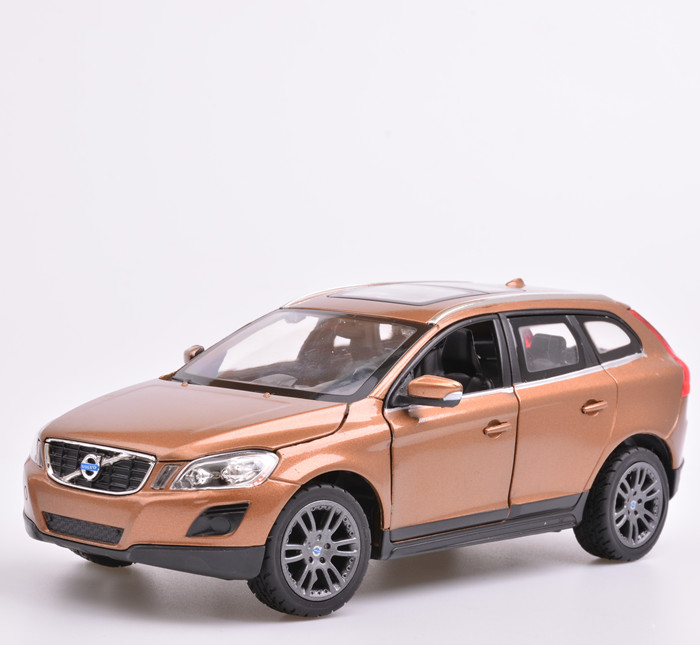 1:24 Alloy model car, High simulation car model Volvo XC60, metal diecasts, coasting, the children's toy vehicles For Baby Toys(China (Mainland))