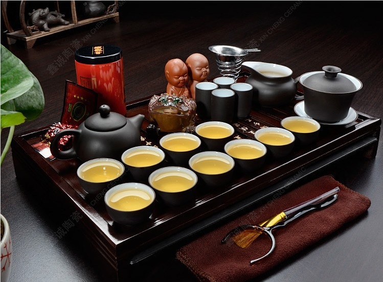 Chinese kung fu tea set purple grit ceramic teapot for the tea cups the tea pot porcelain tray with saucers solid wood 26pcs(China (Mainland))
