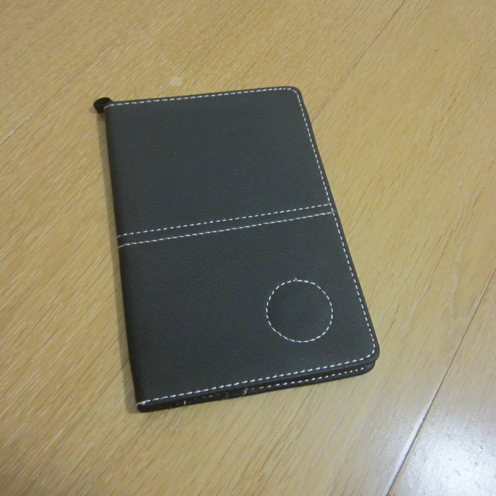 free shipping Unique leather golf scorecard holder new design golf score card yard book cover with magnet for ball marker(China (Mainland))