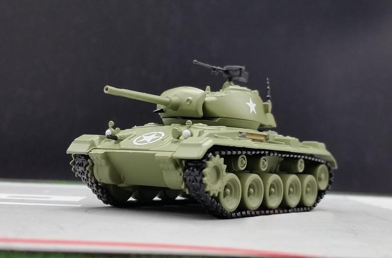 AMER 1:72 World War II US military M24 light tank model Alloy tank model(China (Mainland))