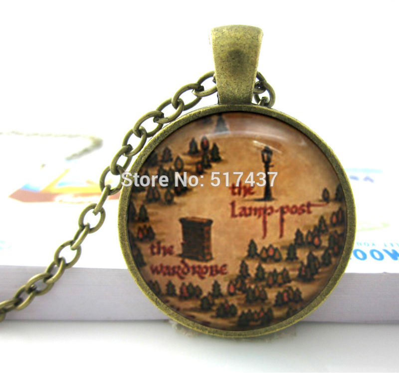 Glass Dome Necklace Vintage The Lamp Post and The Wardrobe Narnia Map Necklace Round Art Pendant Jewelry Narnia Necklace(China (Mainland))