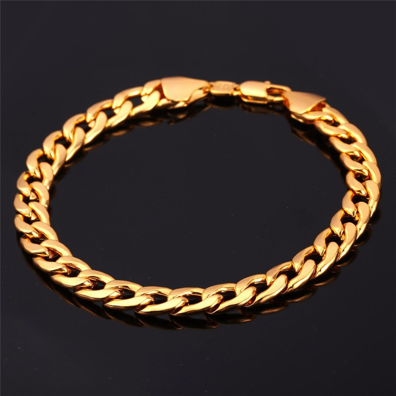 Gold chain bracelet with name